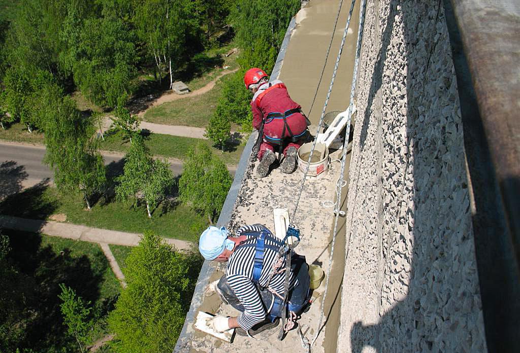 ремонт козырька балкона